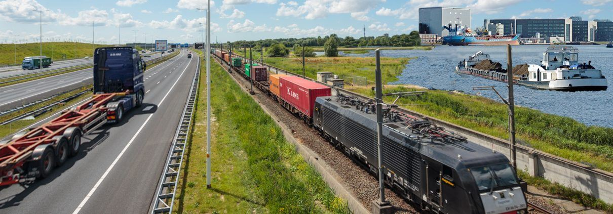 Transport via weg, rail en water