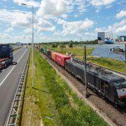 Transport via weg, rail en water